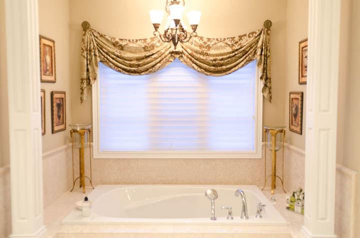 Bedroom & Bathroom