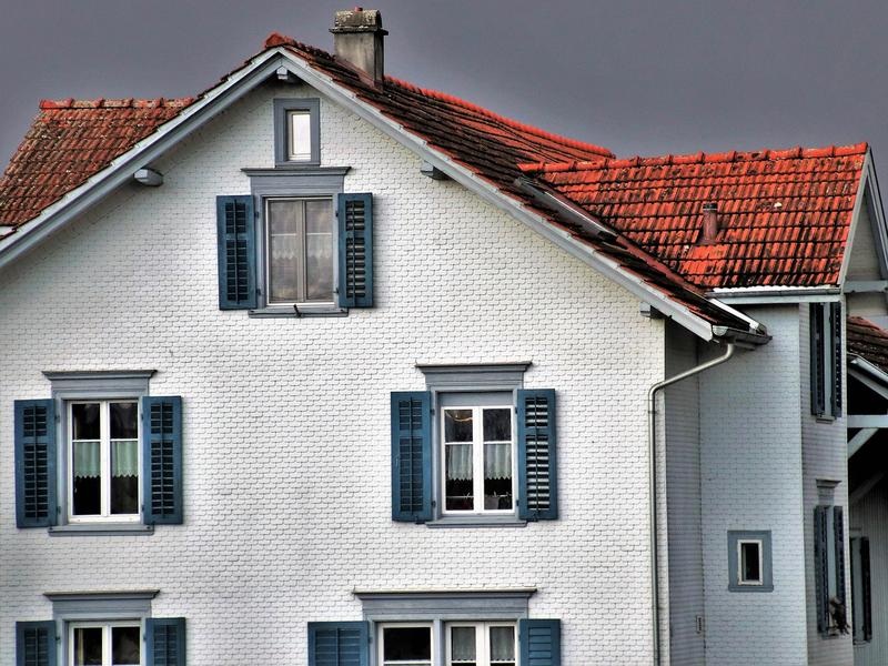 Which Roofing Factors Can Impact the Curb Appeal of Your Home?