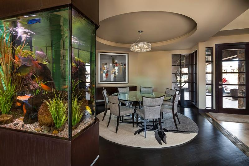 Wall aquariums an aesthetic decor element for Fish tank dining room table
