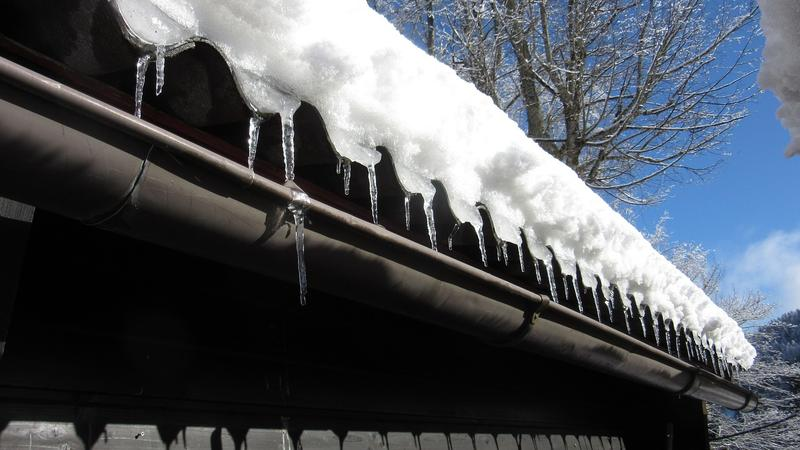How You Can Clean Your Gutters to Save Your Roofing?