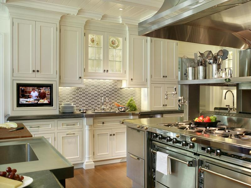 Kitchen Backsplash Styles To Dominate in 2017 - For Gray Kitchens on stainless steel bowls, stainless kitchen of material, stainless steel kitchen, stainless steel backsplash ideas,