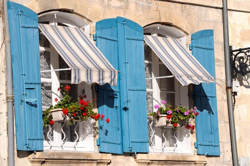 Use Awnings to Reduce Energy Costs in Summer