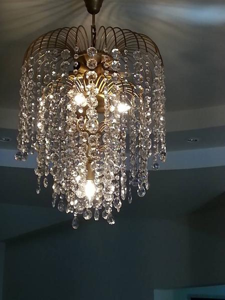 Beautiful chandelier rustic type - 9 lamps with genuine crystal.