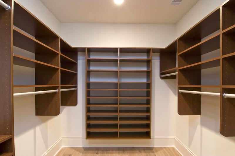 Dressing Room   Walk In Closet With Modular Wardrobe Designs