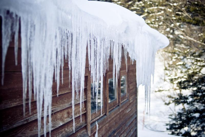 How to protect your roof from ice dams?