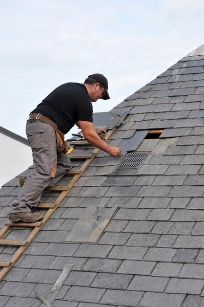 Useful Roof Repair Tips for Homeowners