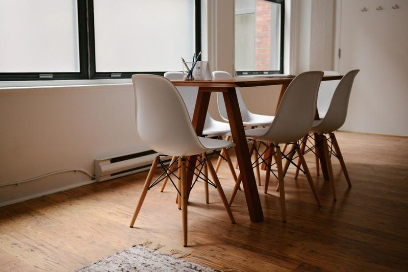 Becoming Minimalist: 10 Ways to Declutter Your Home