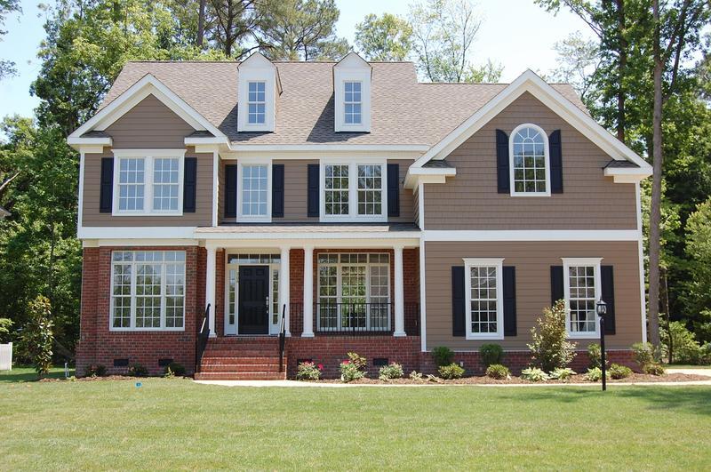 Summer Maintenance Tips for Roof Siding
