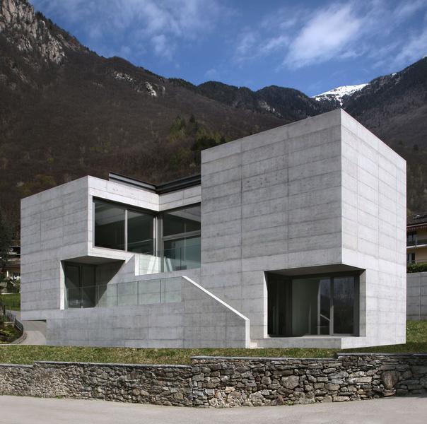 Modern House Designs Elevated: High-tech Modern Homes